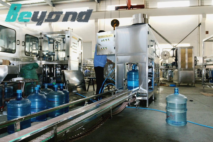 Beyond CE high quality 5gallon filling machine with 100-120bph